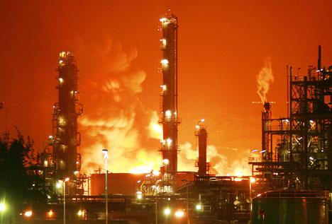 Engine Burning Oil >> Ports & Ships Maritime News